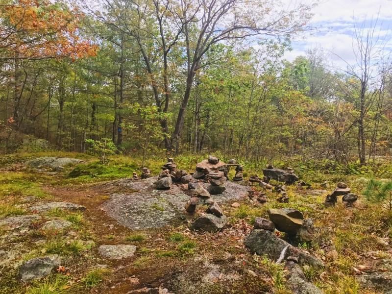 Inukshuk à Meisel Woods