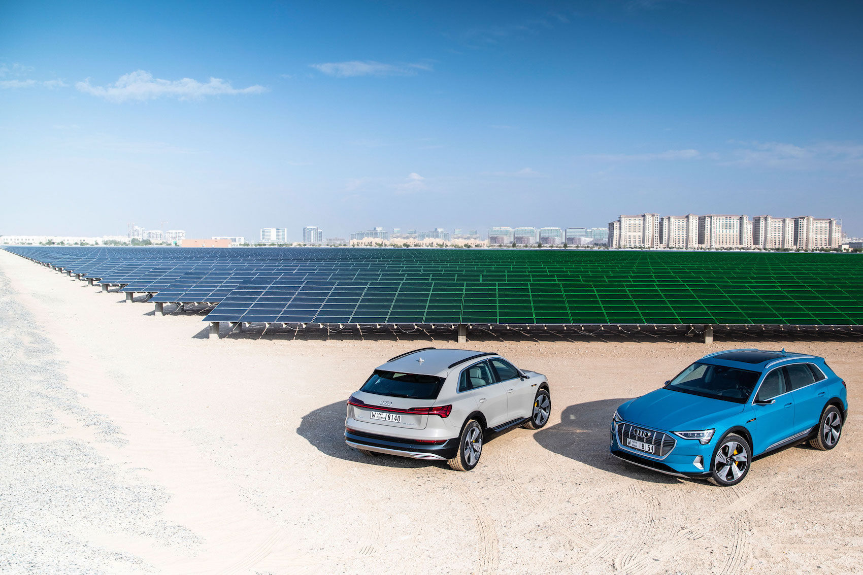 «Wenn wir Kohle verstromen, ist das schlimmer, als mit dem Benzinauto zu fahren»: Die grösste Photovoltaikanlage des Nahen Ostens steht in Masdar City im Emirat Abu Dhabi. (AUDI/Bearbeitung Brand Studio)