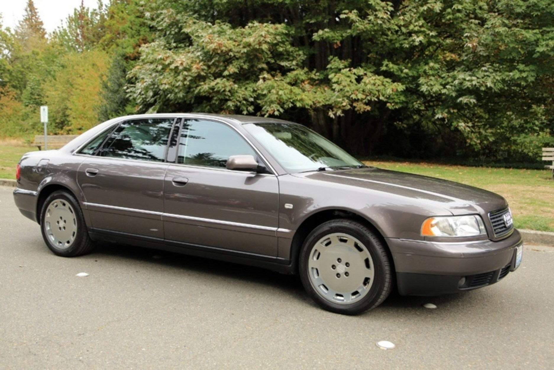 Find of the Day: 2001 Audi A8L