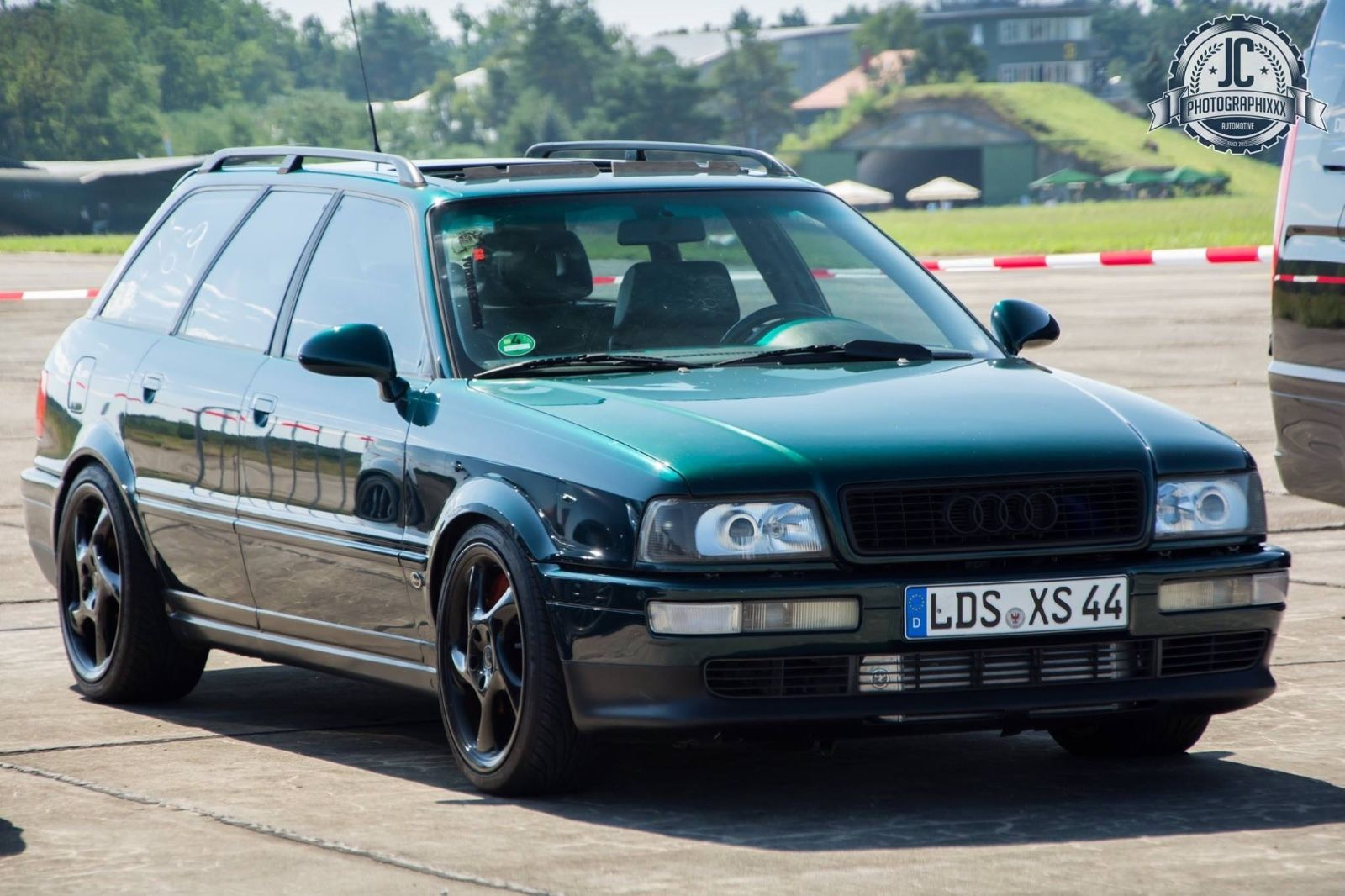 find of the day 1993 audi s2 avant with rs 2 goodies. Black Bedroom Furniture Sets. Home Design Ideas