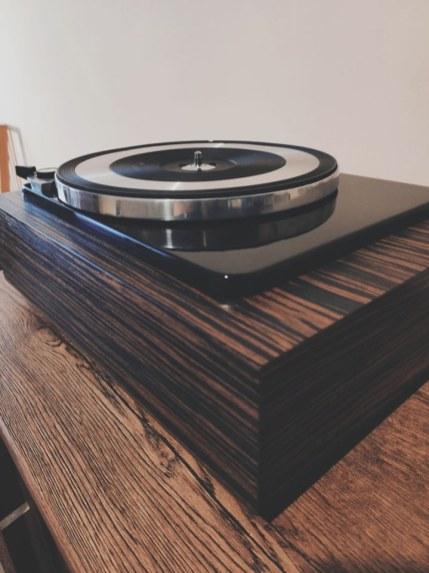 dual 1019 plinta gramofonu