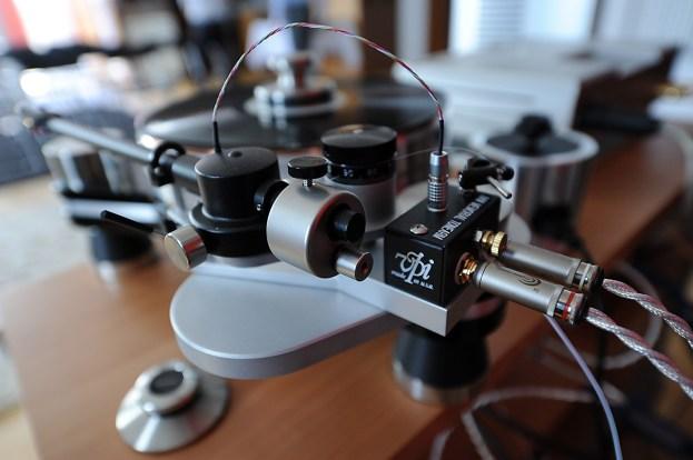 3D-printed tonearm by VPi