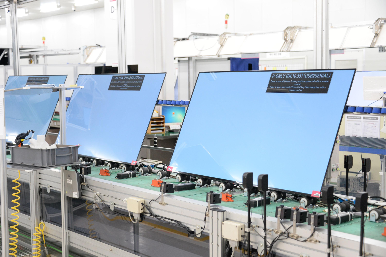 다운 방식의 롤러블 OLED TV도 고려 중, LG전자 구미공장 리포트