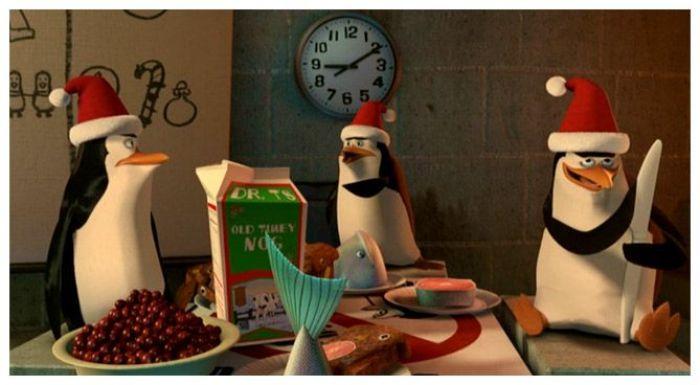 Los pingüinos de Madagascar en una travesura navideña