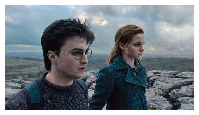 Daniel Radcliffe y Emma Watson en Harry Potter y las reliquias de la muerte