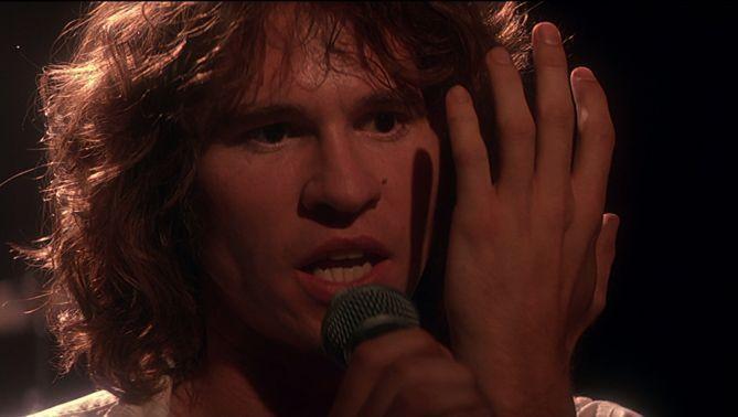 """Val Kilmer interpreta a Jim Morrison en """"The Doors"""" (1991)"""
