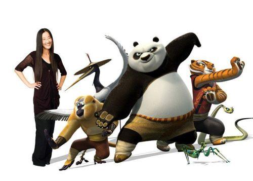 """Los personajes de """"Kung Fu Panda 2"""" con su directora Jennifer Yuh Nelson"""