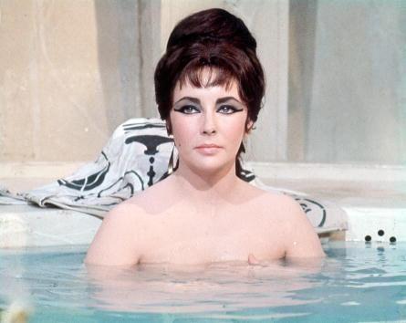 """Elizabeth Taylor en """"Cleopatra"""" (1963)"""