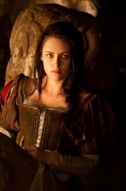 Blancanieves la leyenda del cazador (2012)