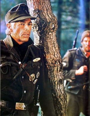"James Coburn en ""La Cruz de Hierro"" (1977)"