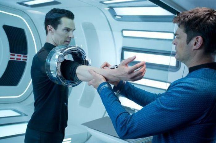 Khan y Bones (Star Trek en la oscuridad)