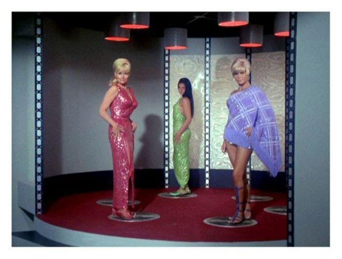 La chicas sexy fueron también habituales en la serie de los 60