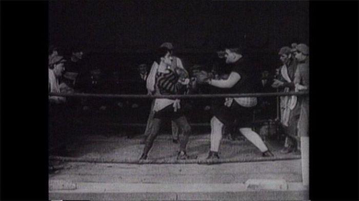 Charlot boxeador (1915)