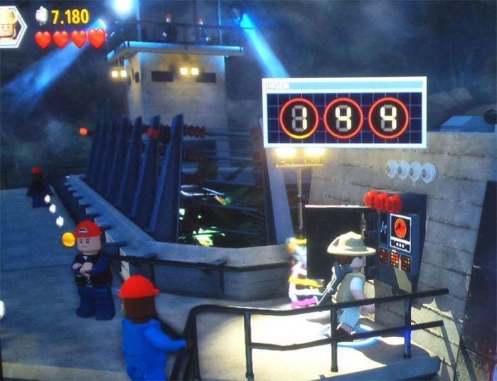 """Descifra claves para avanzar en el juego. """"Lego: Jurassic World"""" (reseña AudioVideoHD.com)"""