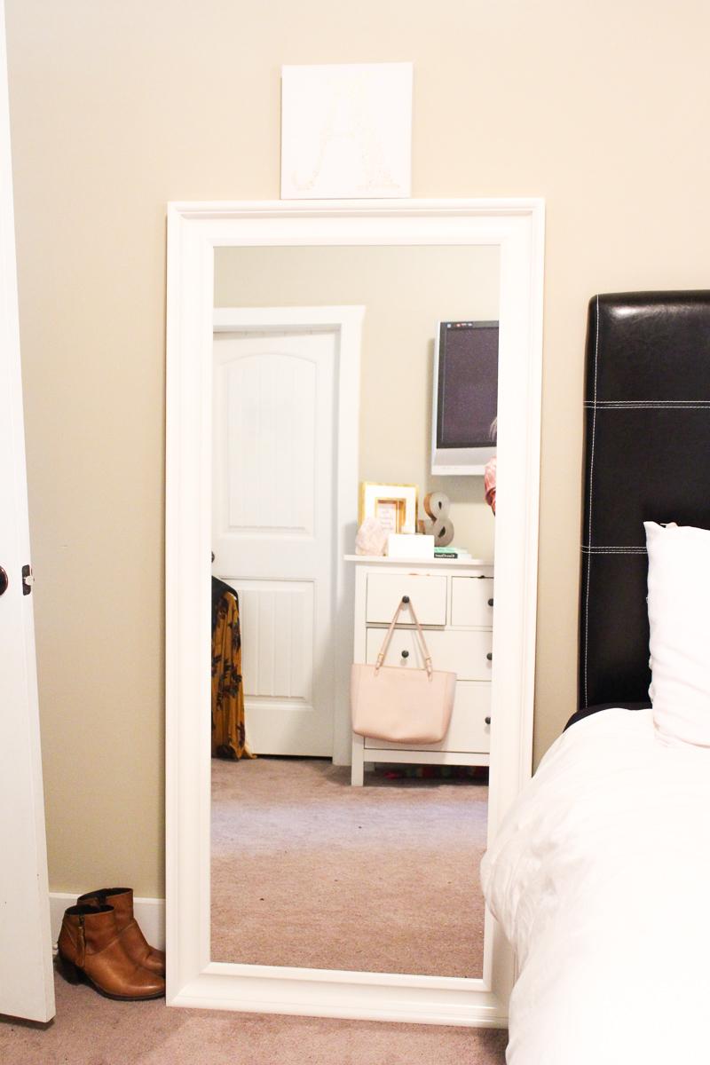 Feminine College Bedroom | AMS Blog