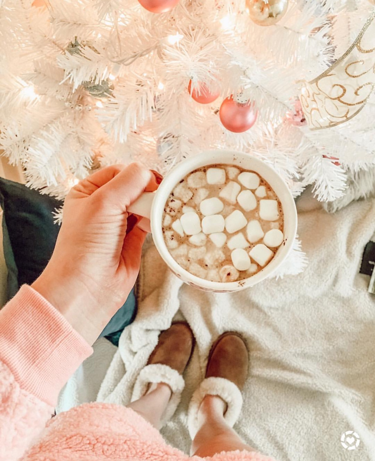 Winter Hot coco | Holiday | Audrey Madison Stowe a fashion and lifestyle blogger