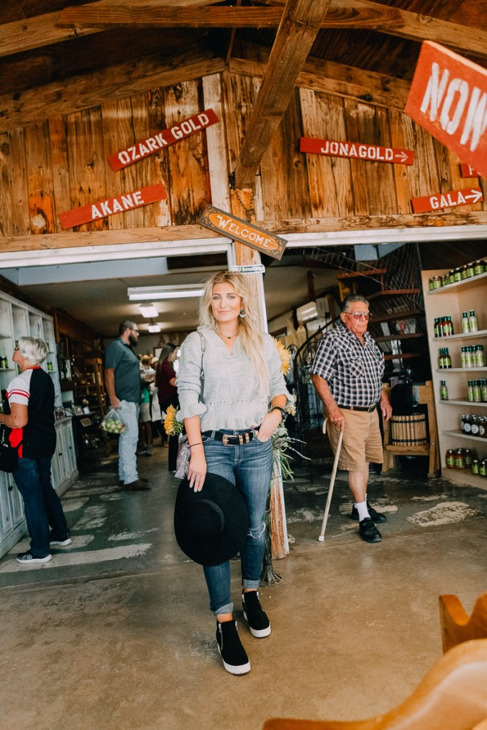 Apple Orchards With Steve Madden Outfit | #GenSteve| Family Day | featured by popular Texas fashion blogger Audrey Madison Stowe