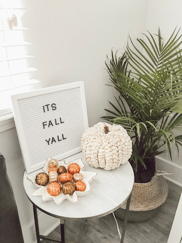 Decorating My Apartment For Fall | The Cutest Fall Home Decor for Small Spaces featured by popular Texas lifestyle blogger Audrey Madison Stowe