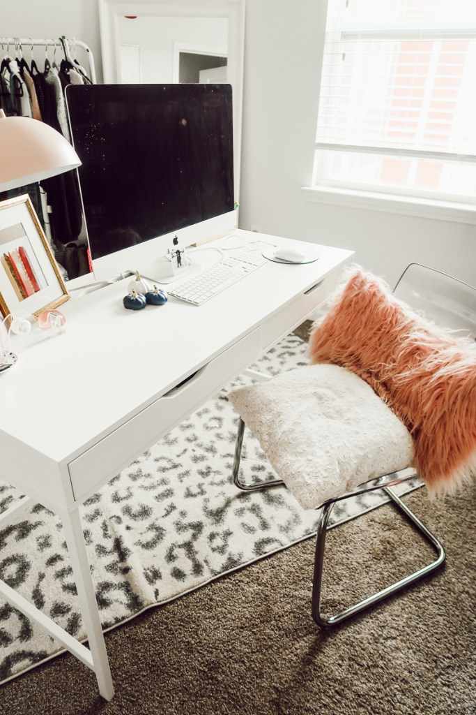 Home Office Tour | Girly Blogger Cloffice | Blogger Office | Modern Home Office Ideas featured by top Texas lifestyle blog Audrey Madison Stowe