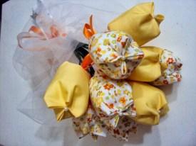 casamento-wedding-artes-de-Helena's-tulipa-de-tecido-buque-daminha 2