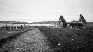 Right next to the beach lays the old Balnakeil cemetery