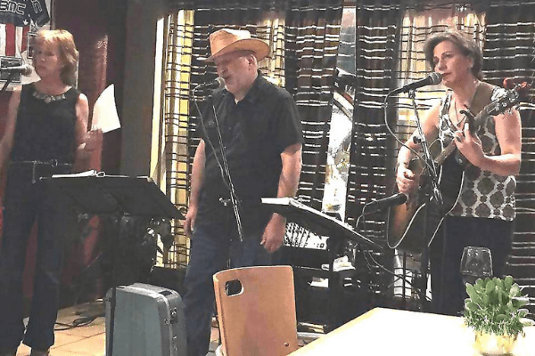Live Music at Bikes Beans and Bordaux Cafe in the AUdubon Park Garden District in Orlando Florida