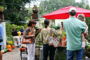 holiday event at Palmers Garden and Goods in the Audubon Park Garden District Orando Florida