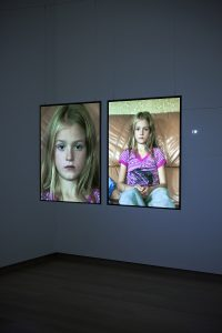 Fiona Tan, Diptych, 2006–11 Installationsansicht / installation view Stedelijk Museum, 2012 Courtesy the artist and Frith Street Gallery, London Foto/photo: Gert Jan Van Rooij