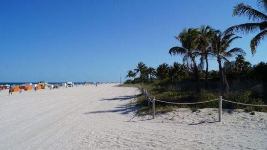 Miami Beach feiner weißer Sandstrand