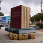 riesen Bücher in Nogales