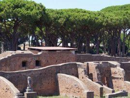 Ruinen im Grünen Ostia Antica