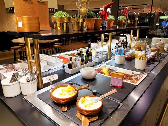 Speiseauswahl am Buffet der SAS Gold Lounge
