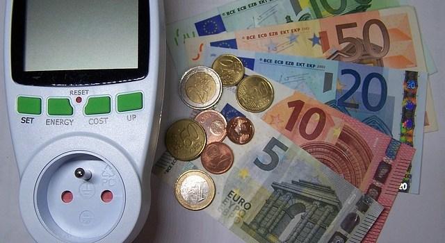 7 Tipps zum Strom sparen und Reisekasse aufbessern