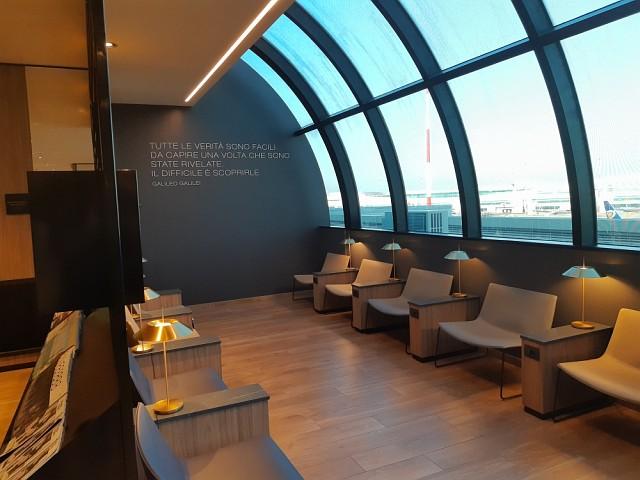 Fensterfront in der Star Alliance Lounge