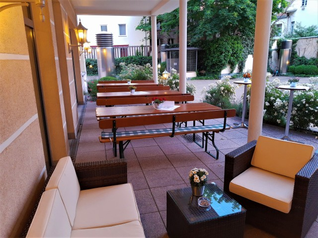 Terasse im Holiday Inn Nürnberg