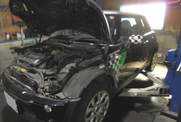 BMWミニ エンジン不動