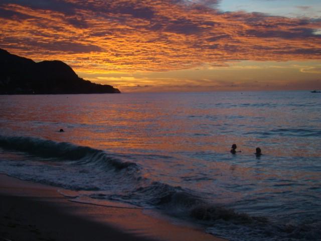 thumbnail_seychelles-beau-vallon