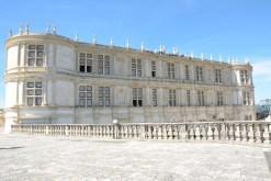 grignan_facade_renaissance
