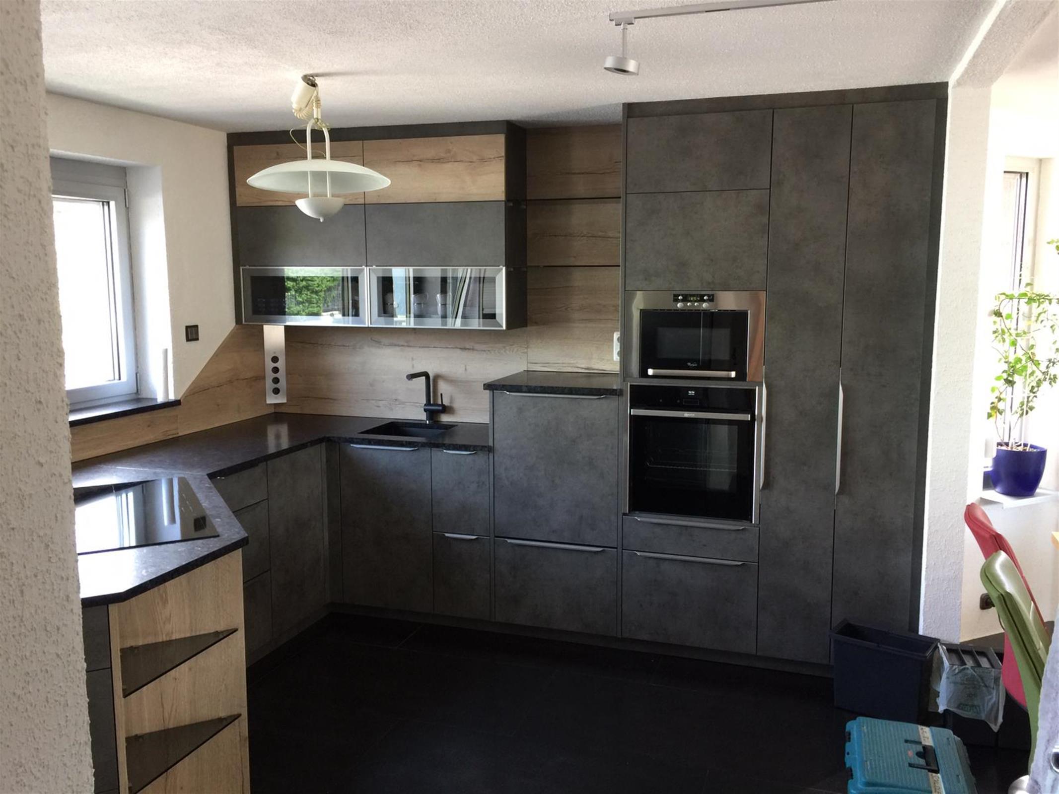 Steinplatte in Küche
