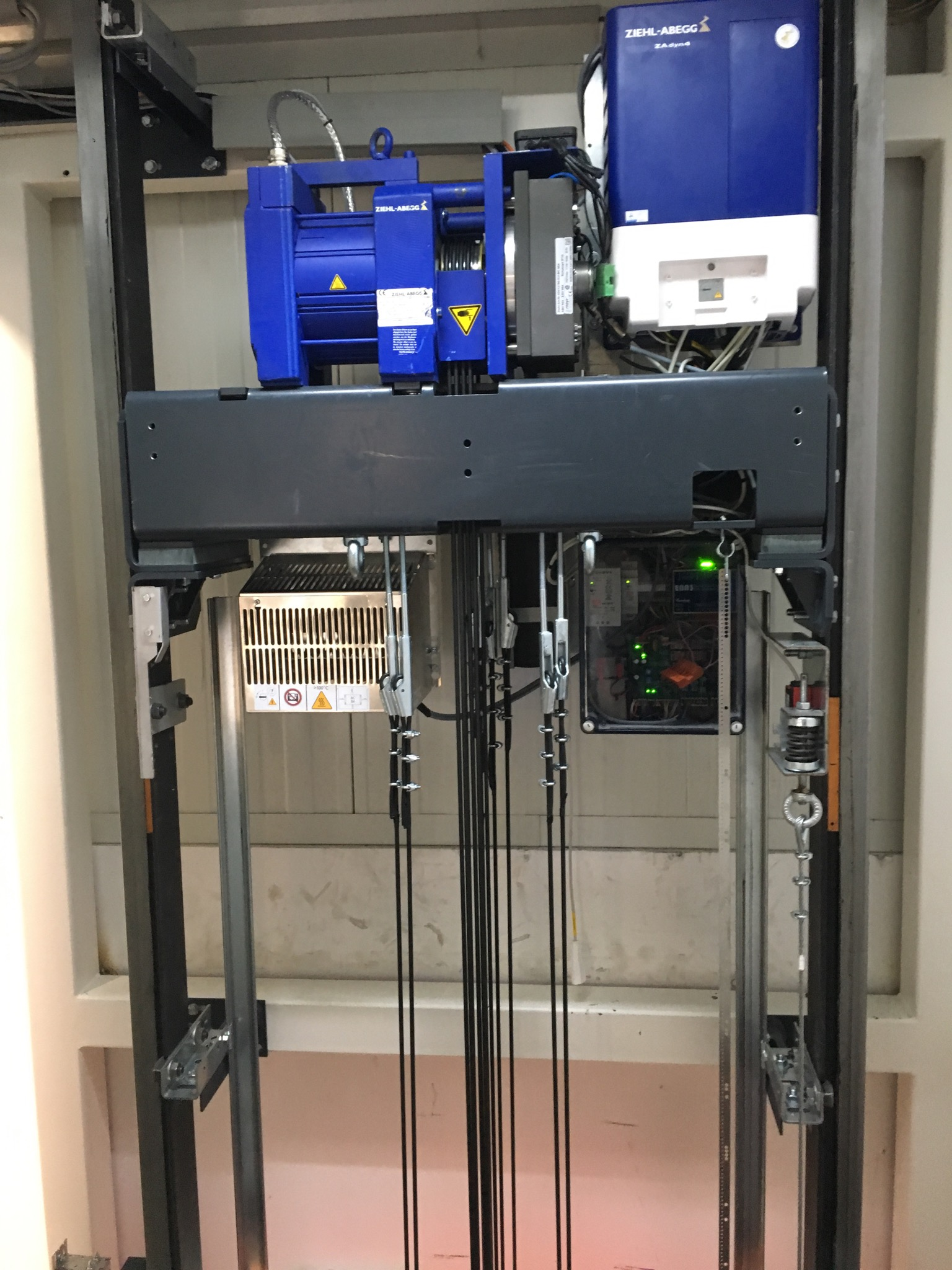 Aufzugsarten / Konstruktion – Der Aufzug / Fahrstuhl / Lift