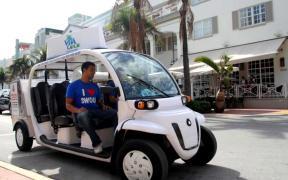 Freebee-llega-a-Doral-con-vehículos-eléctricos-para-10-pasajeros