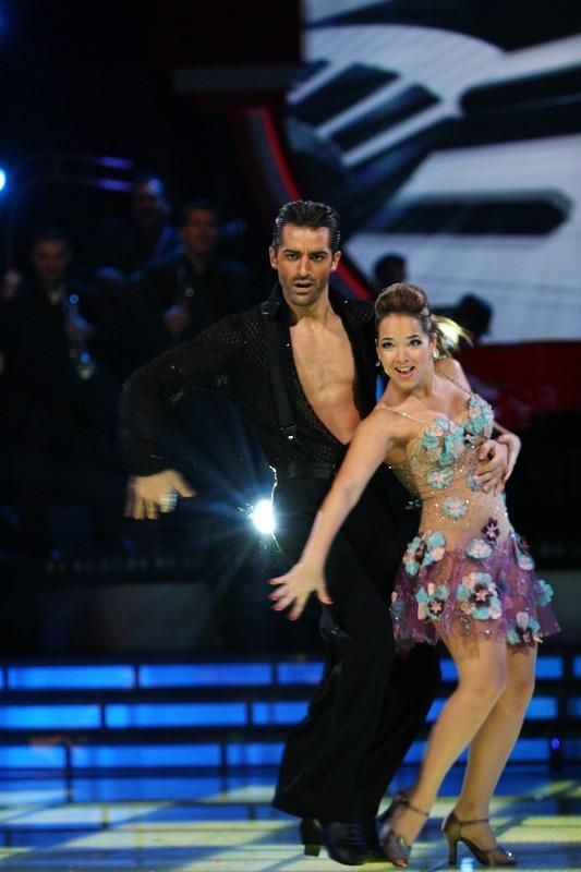 Adamari Lopez bailando