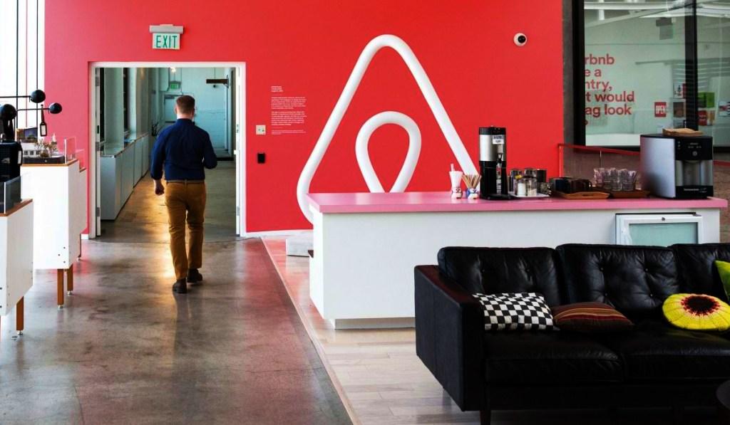 Airbnb reglas año nuevo