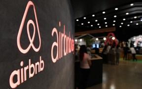 ¿A qué hora comenzará a cotizar Airbnb?