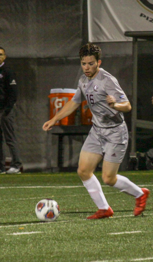 Men's Soccer routs Royals, squeaks by St. Mary's to open MIAC play