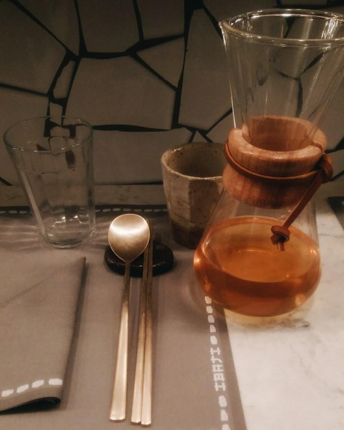 Thé et couverts chez Ibaji