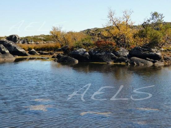 Nivel de estiaje de la laguna del Cuadro el 5 de octubre de 2017, con 55 cm de banda árida.