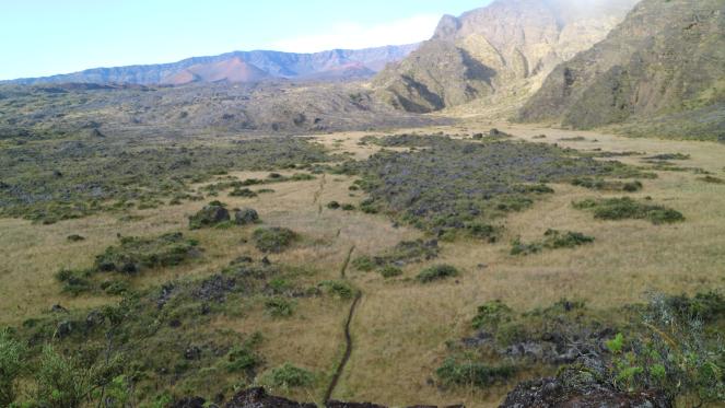 mountain halemauu trailhead haleakala views hiking backpacking