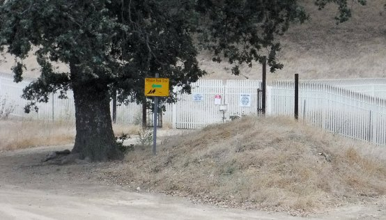 This well fenced property on top of Oat Mountain belongs to SoCal Edison, the electric utility here. I do not know what they are doing with it.