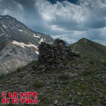 Ibón de Lapazosa y Pico del Puerto